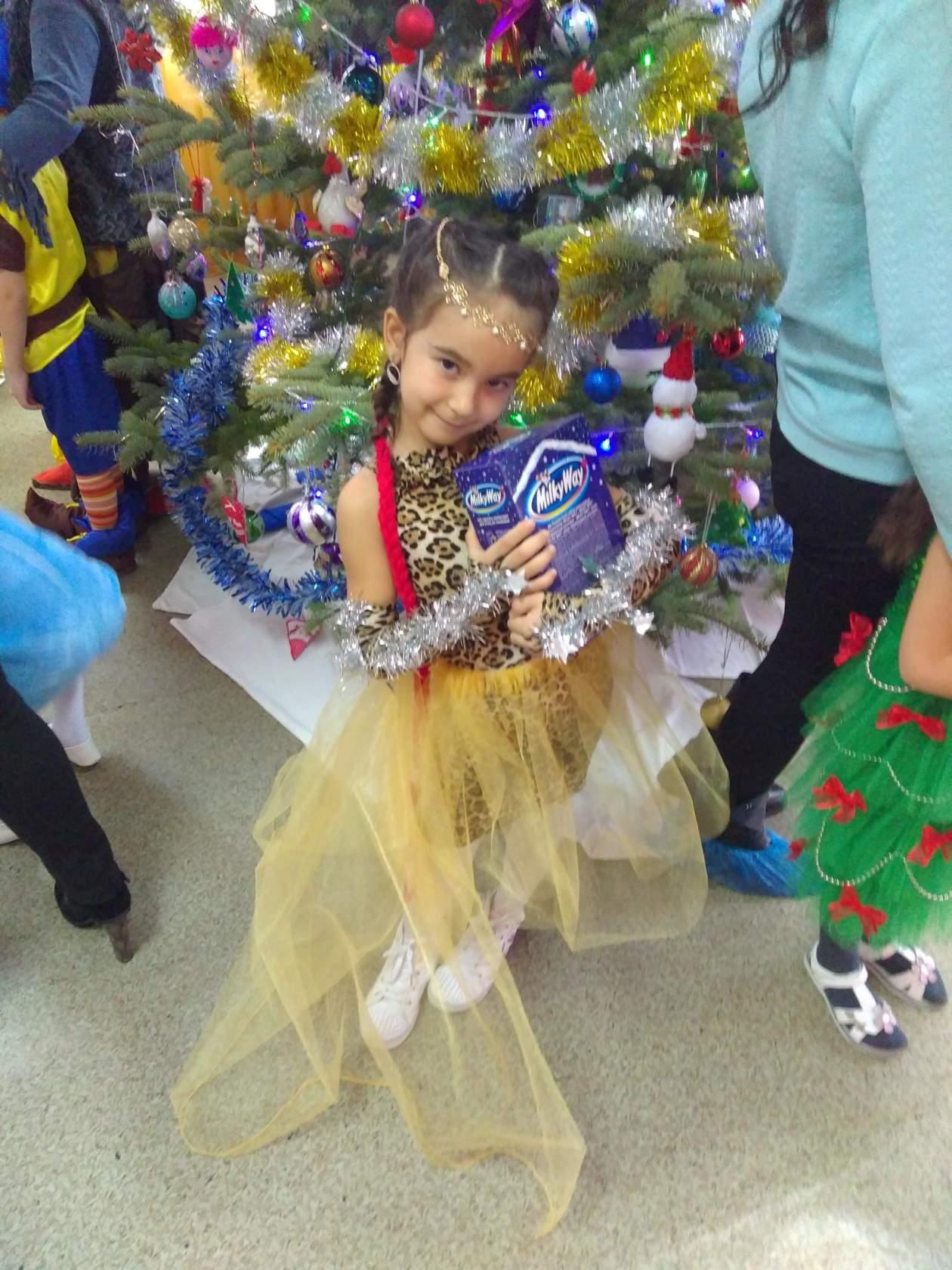 Принцесса джунглей Алиса. Принцесса собирается на бал