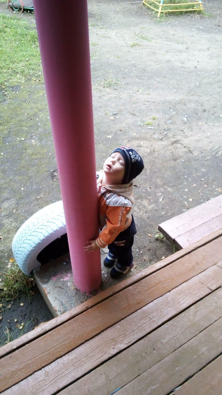 жду мамочку в детском саду. Лапочка