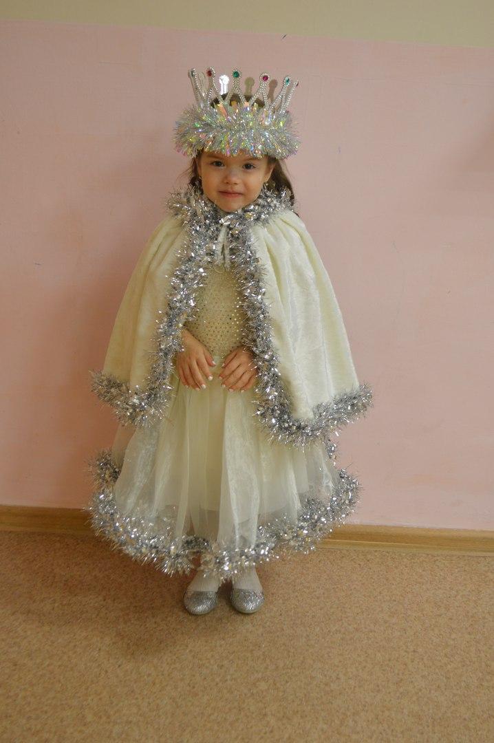 Снежинка. Принцесса собирается на бал