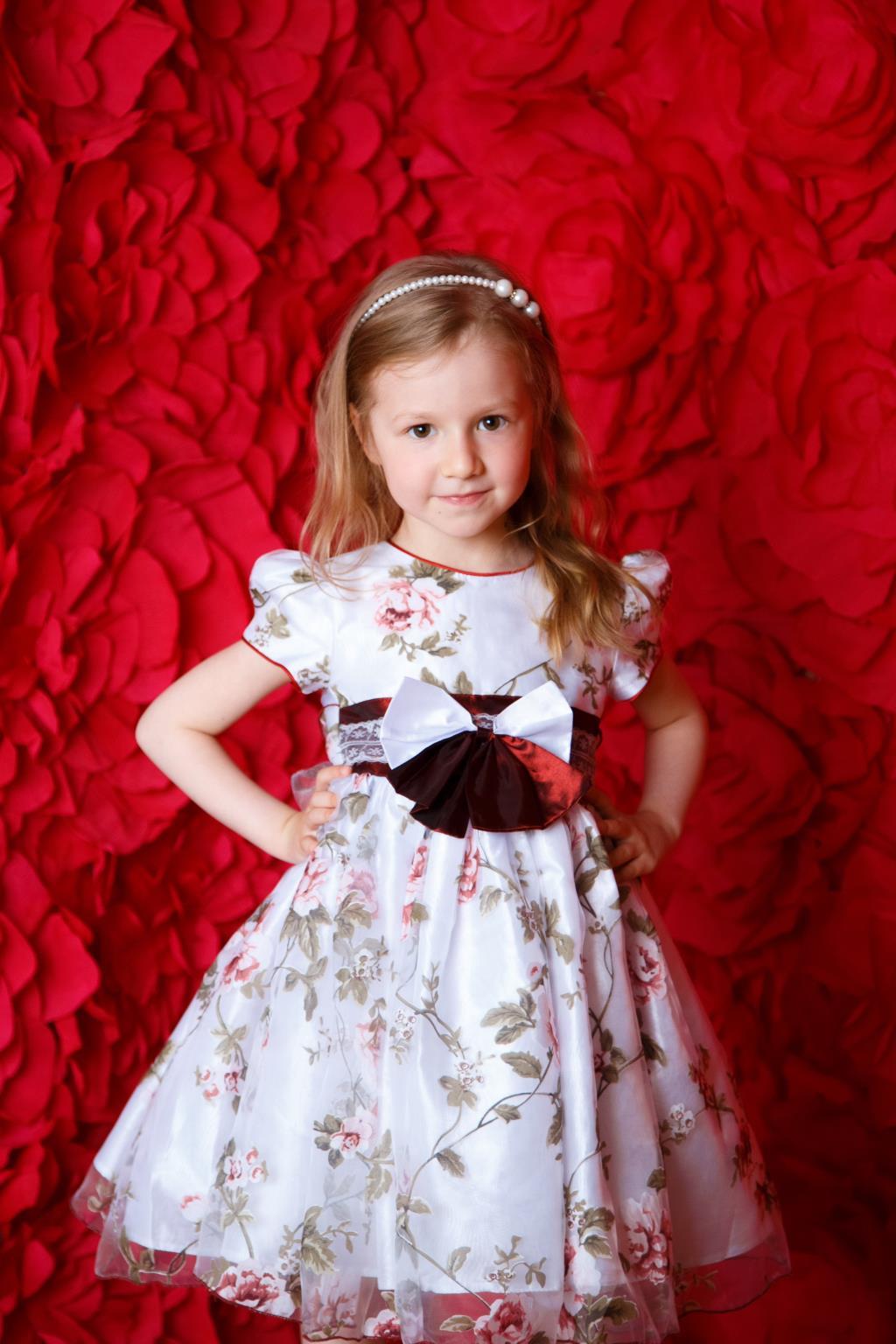Миллион алых роз и одна маленькая принцесса. Принцесса собирается на бал