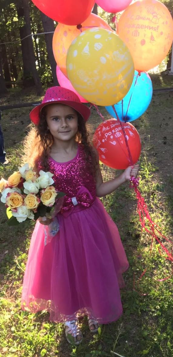 Даша - принцесса наша!. Принцесса собирается на бал