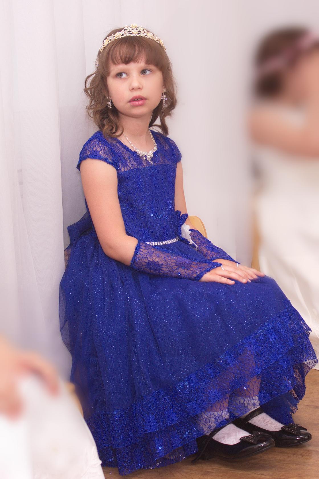 Принцесса София на сказочном балу. Принцесса собирается на бал