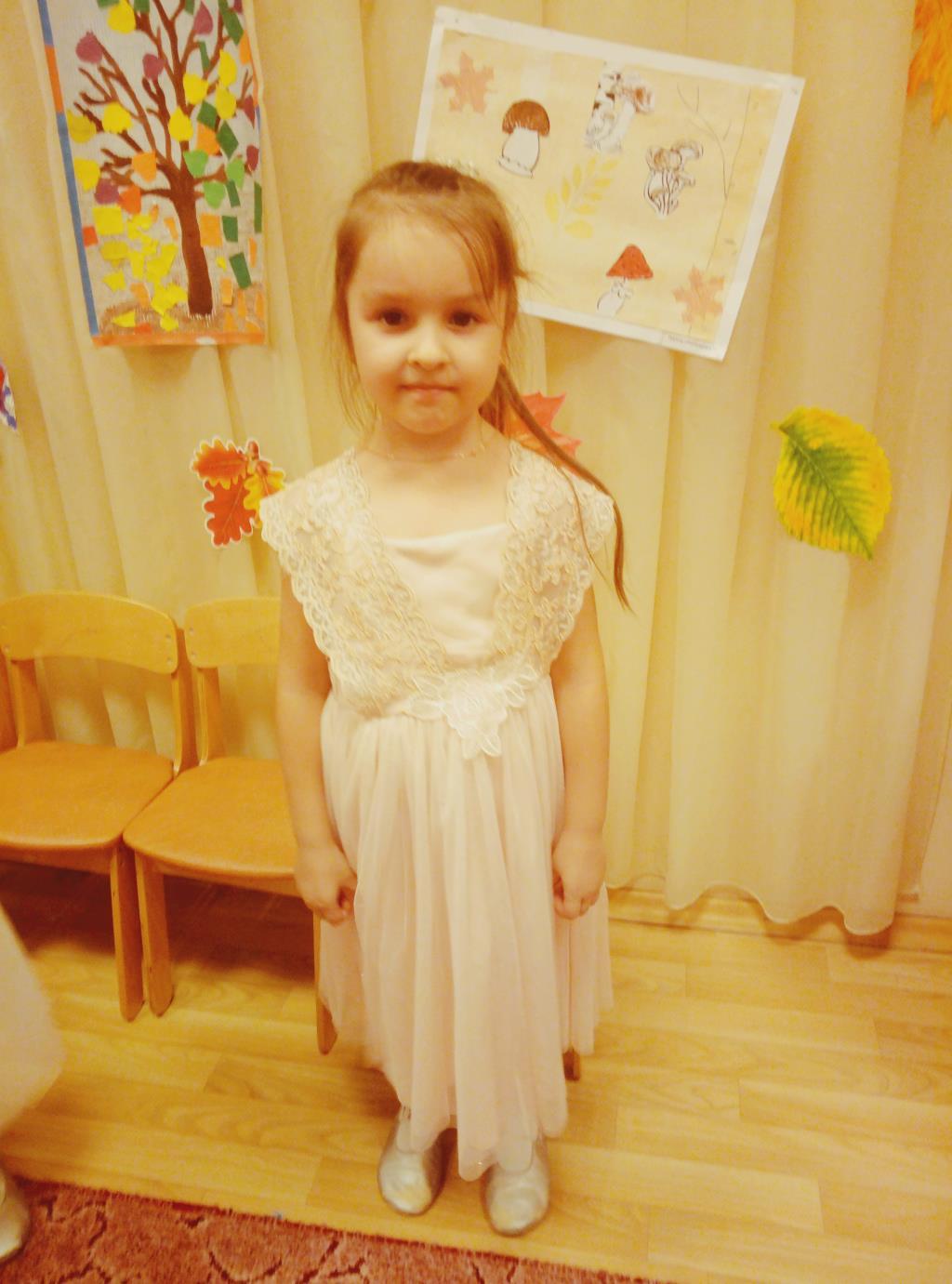 Принцесса Кариночка. Принцесса собирается на бал