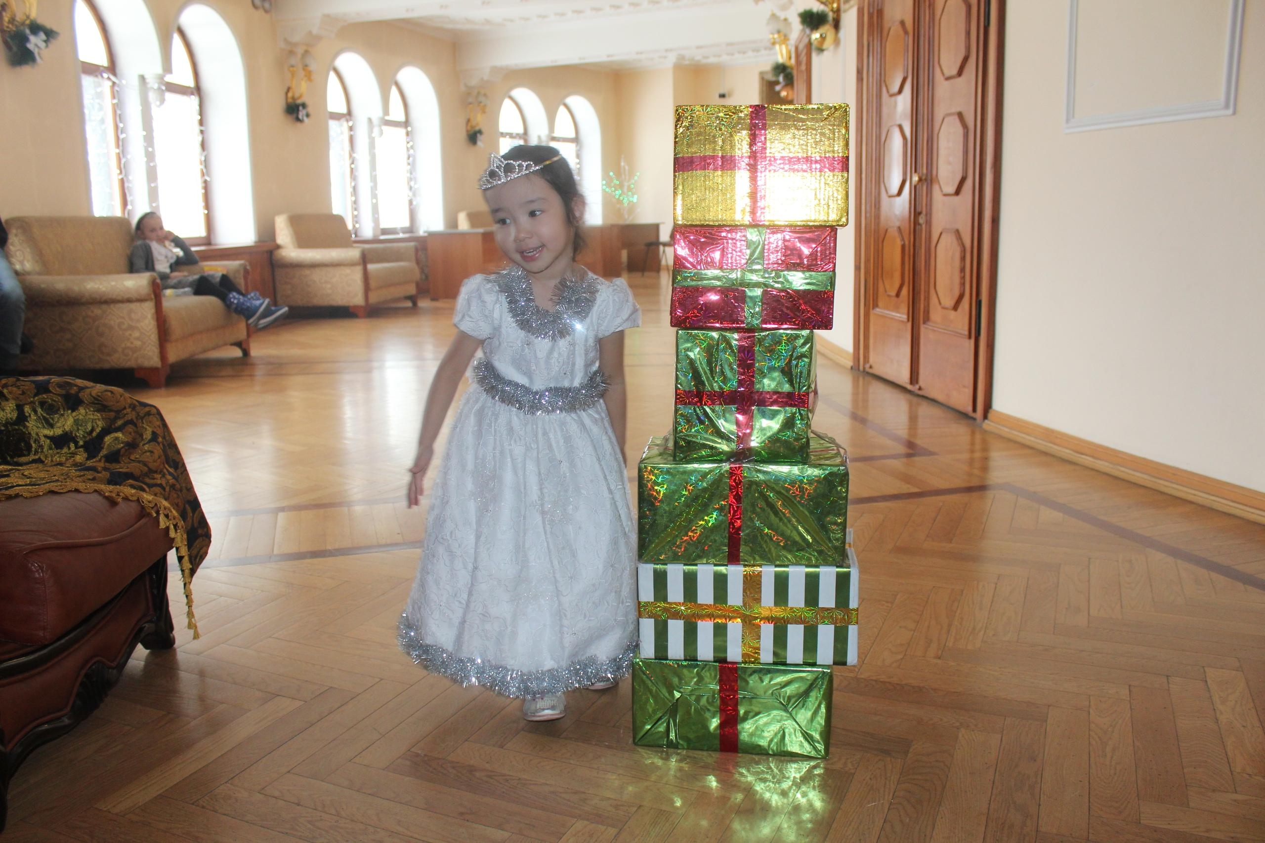 Принцесса лейла. Принцесса собирается на бал