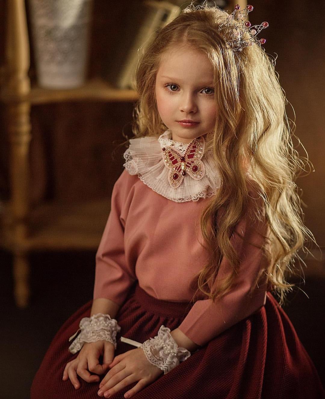 Алиса в стране чудес. Принцесса собирается на бал