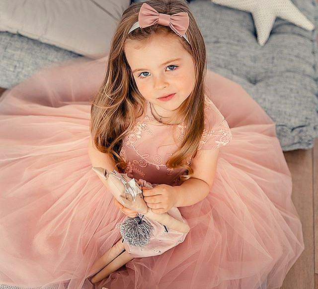 Принцесса в ожидании бала). Принцесса собирается на бал