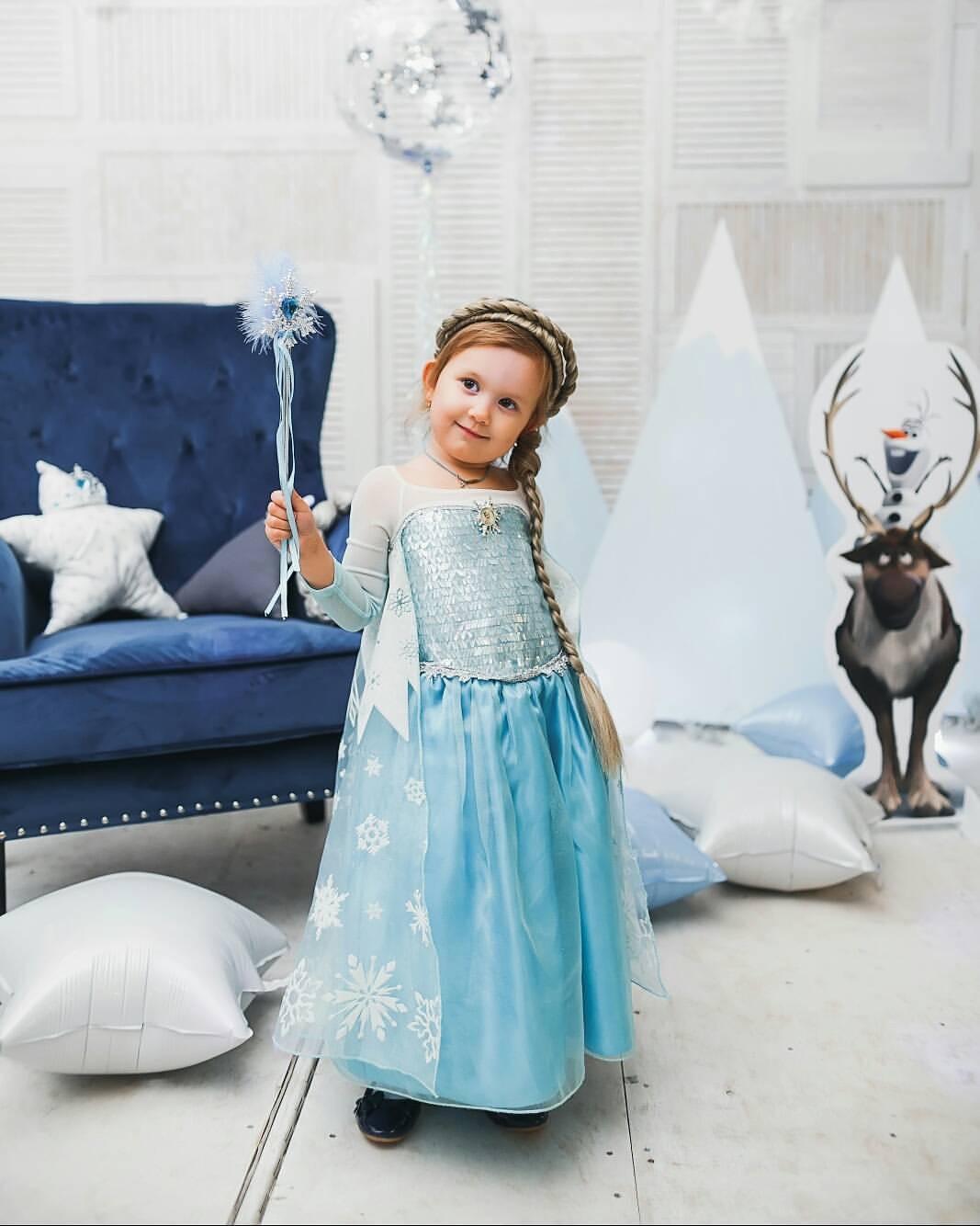 Принцесса Эльза собирается всех заморозить). Принцесса собирается на бал