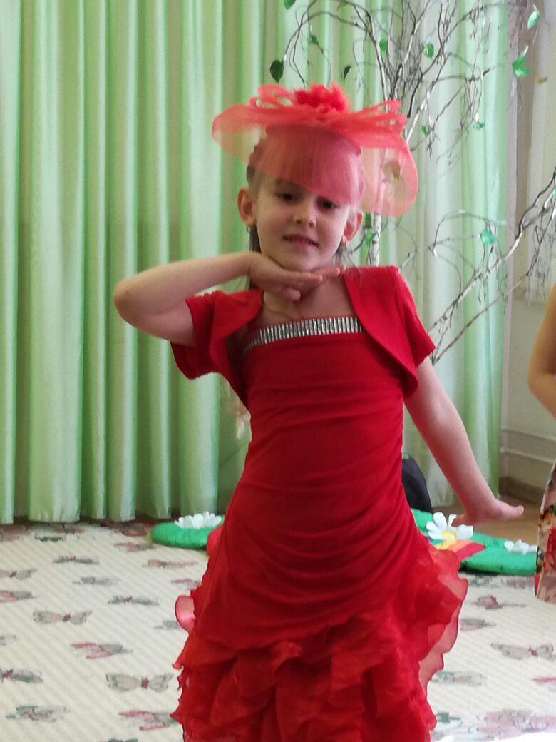 Леди в красном . Принцесса собирается на бал