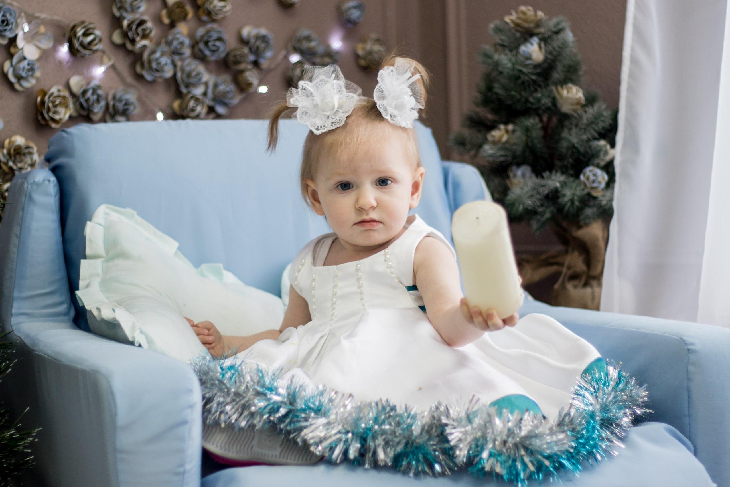 Алисочка-принцесочка на свой 1ый новый год. Принцесса собирается на бал