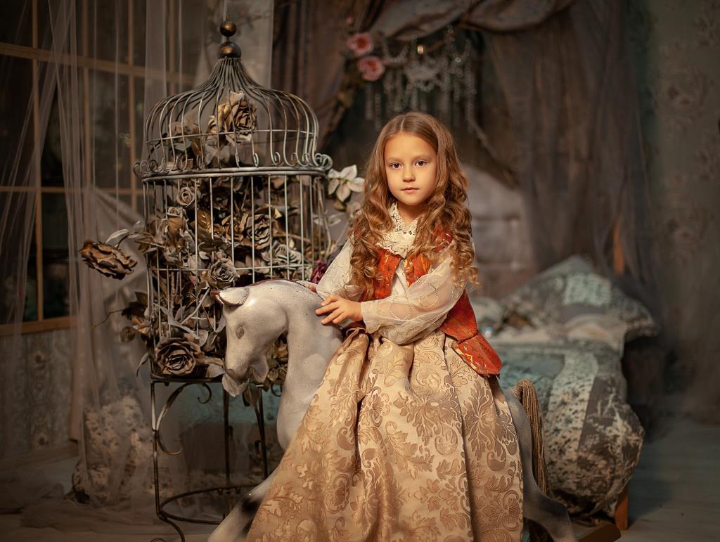 Принцесса Антуанетта . Принцесса собирается на бал