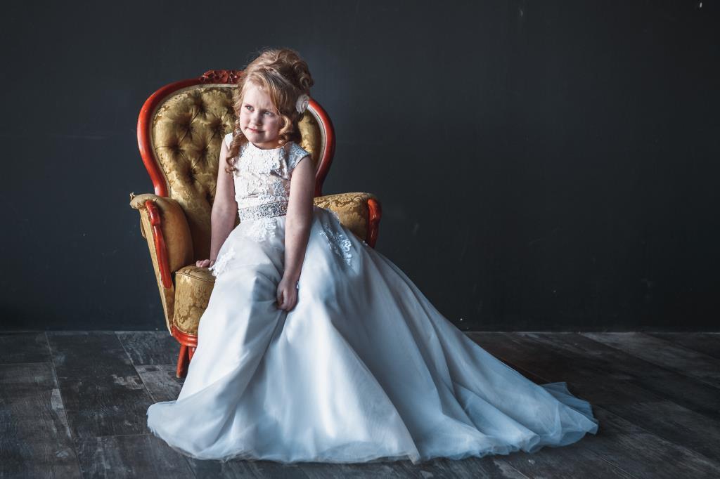 Колетина Анна 7 лет. Принцесса собирается на бал