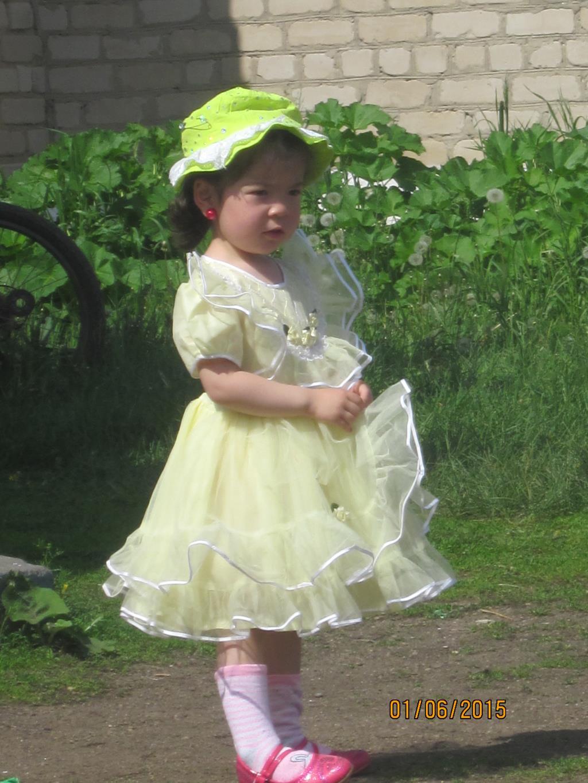 Ждем карету для поездки на бал. Принцесса собирается на бал