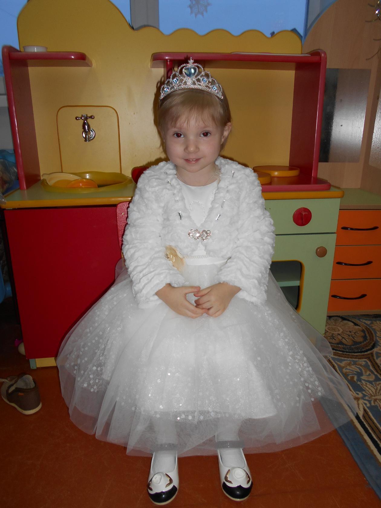 Принцесса Полина. Принцесса собирается на бал
