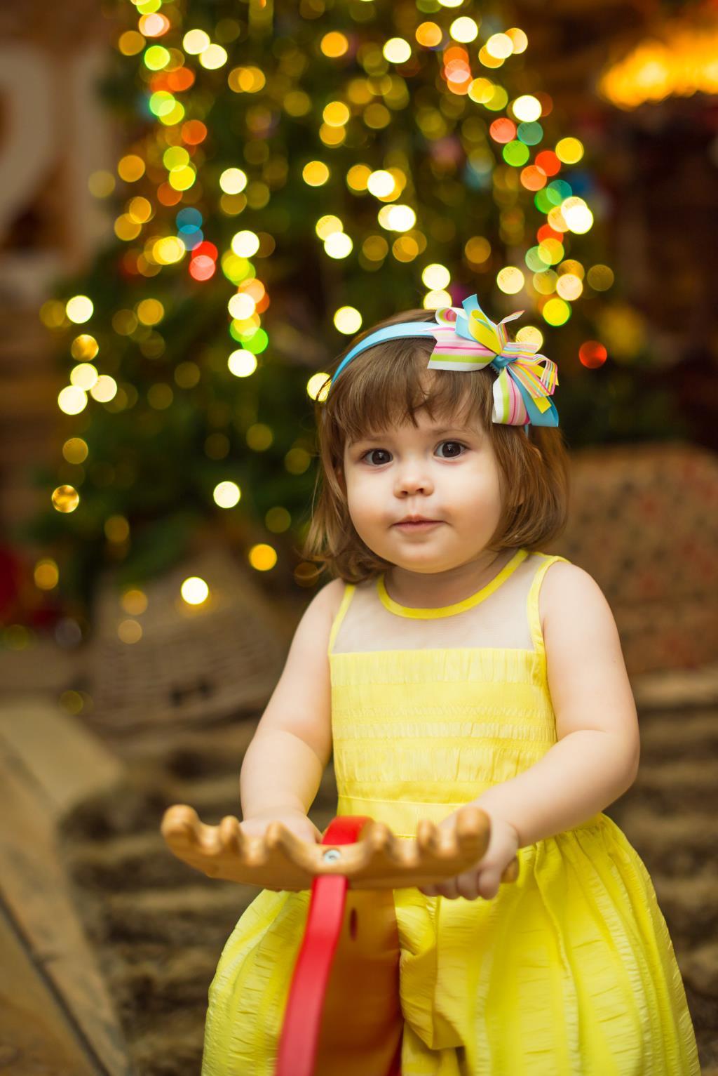 Новы год - это новое платье. Да, мама?. Принцесса собирается на бал