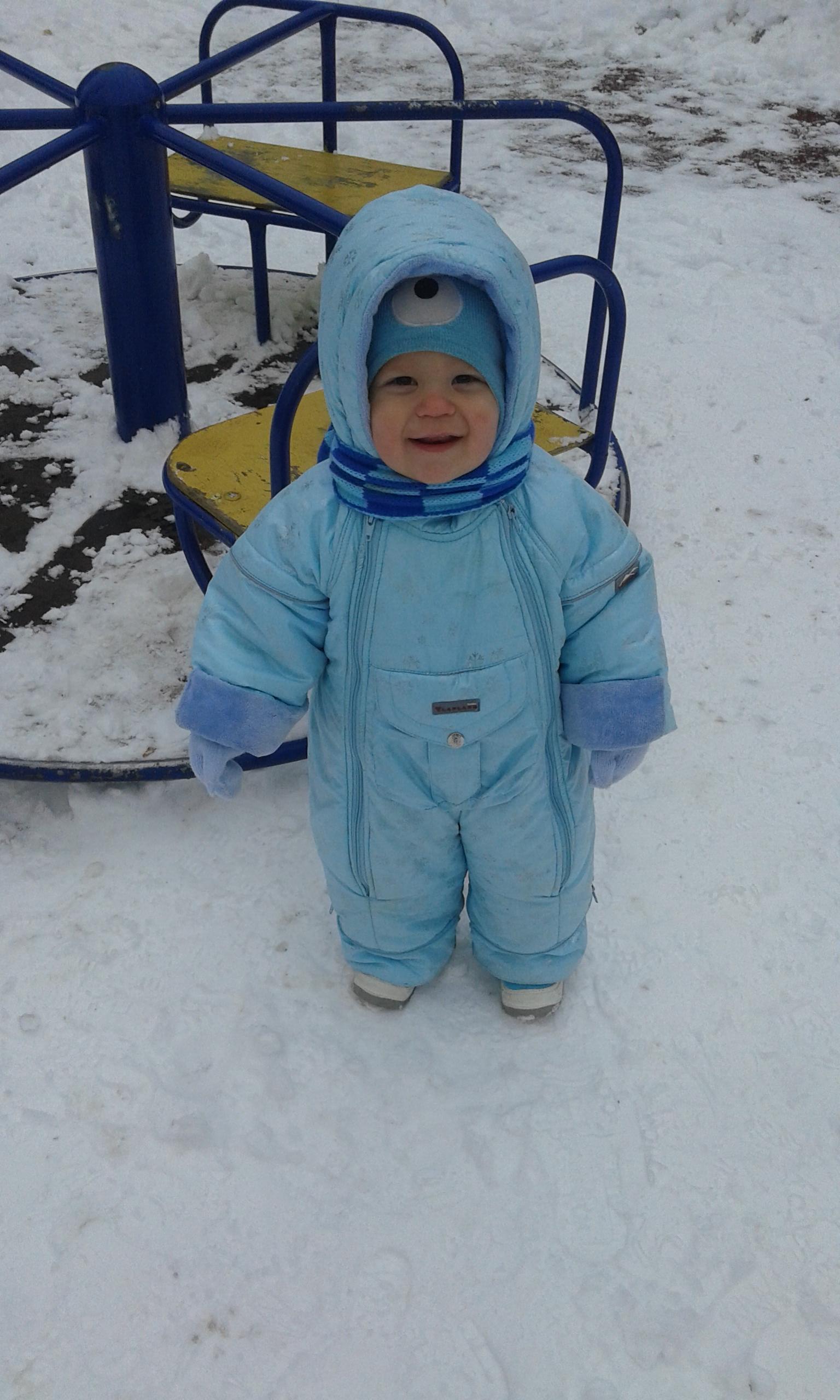 Замерзли,но все равно гуляем. Веселая зима
