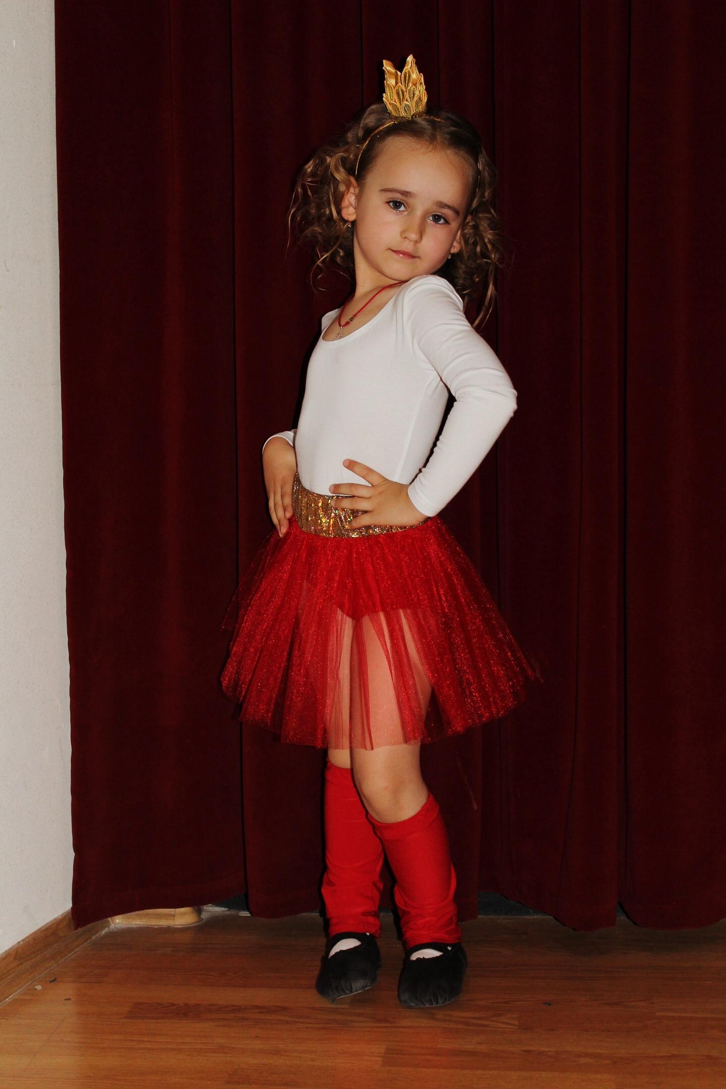 Маленькая принцесса Валерия. Принцесса собирается на бал