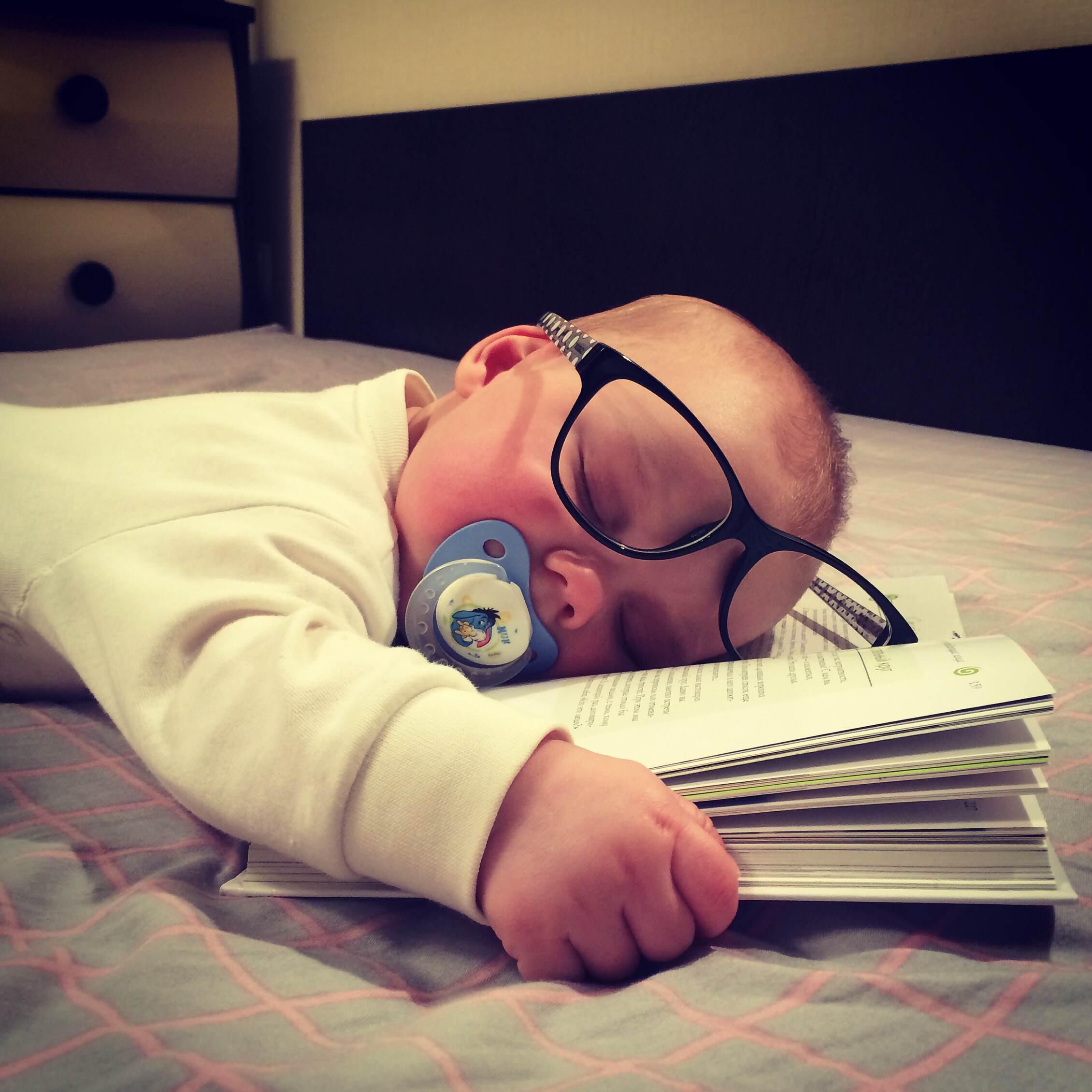 Зачитался :). Спокойной ночи! Кто спит слаще всего?