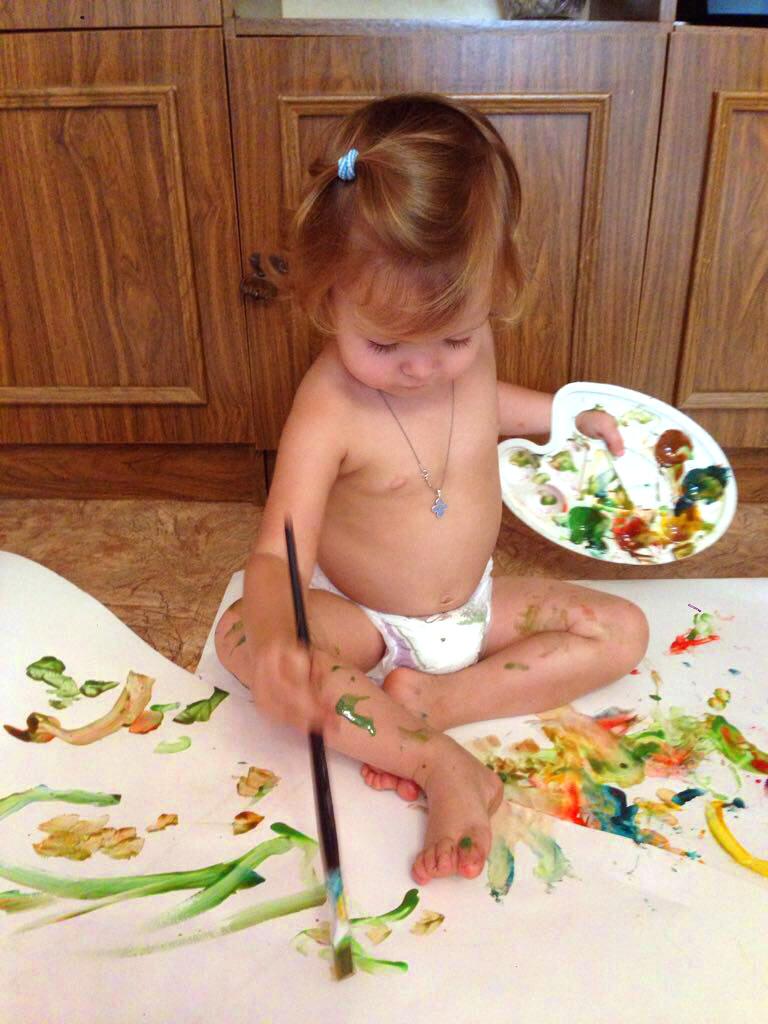 Рисовать никогда не рано начать. Время играть!
