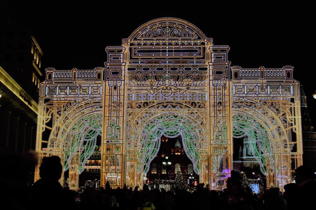 Новогодняя арка в Москве . Блиц: арки и ворота