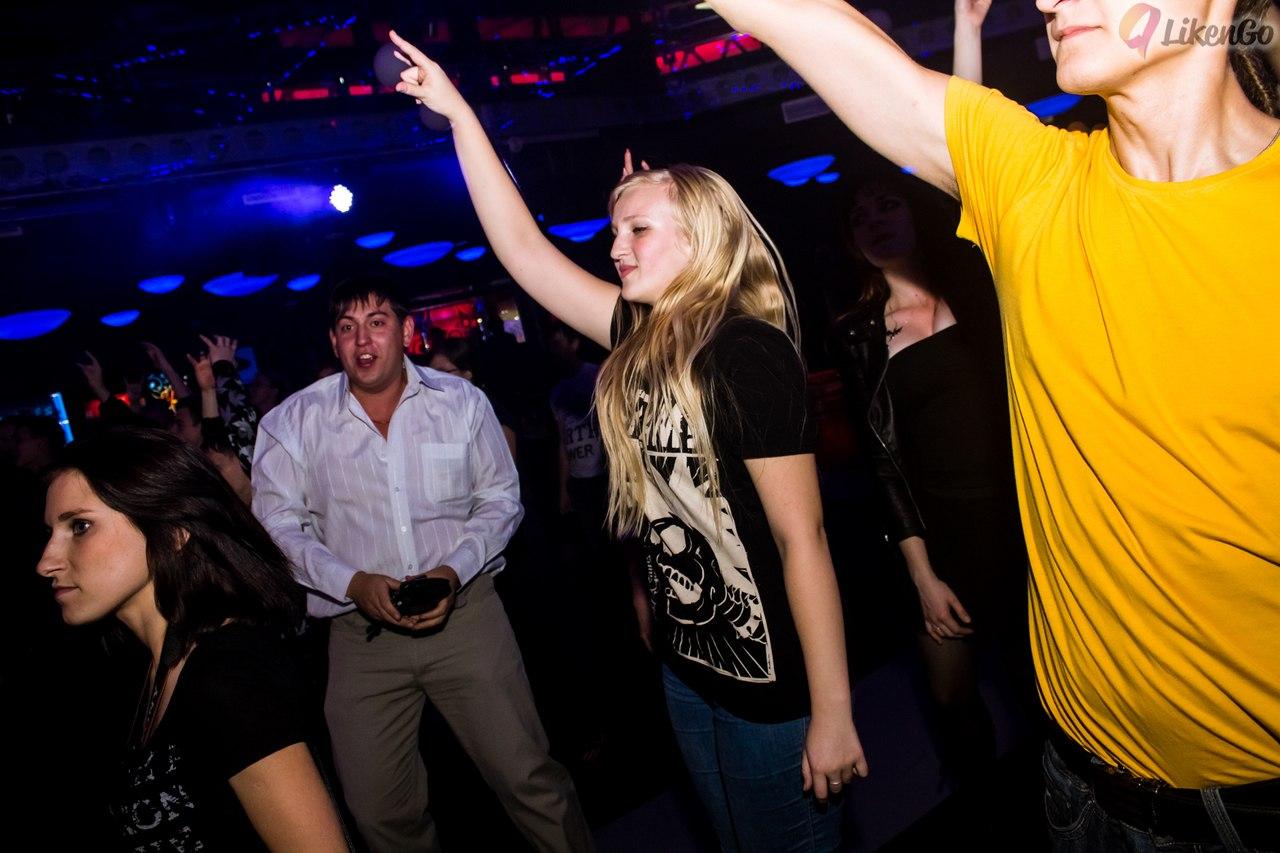 Жизнь наполнена драйвом на рок-концерте. Делай жизнь ярче вместе с DryDry