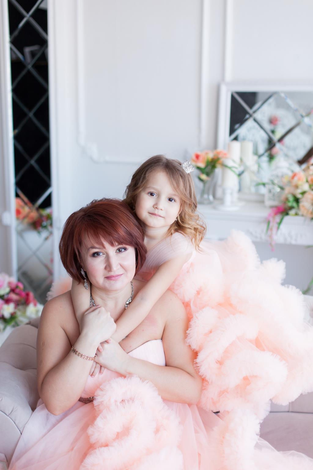 Мама и доча. Яркий образ