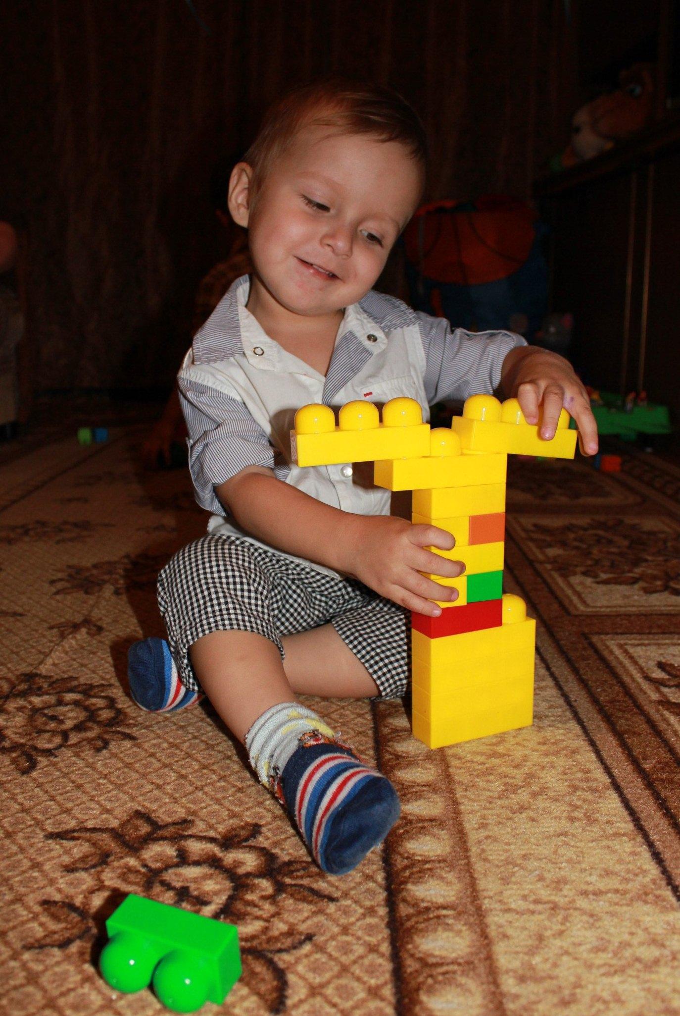 Юный строитель.. Веселая игра