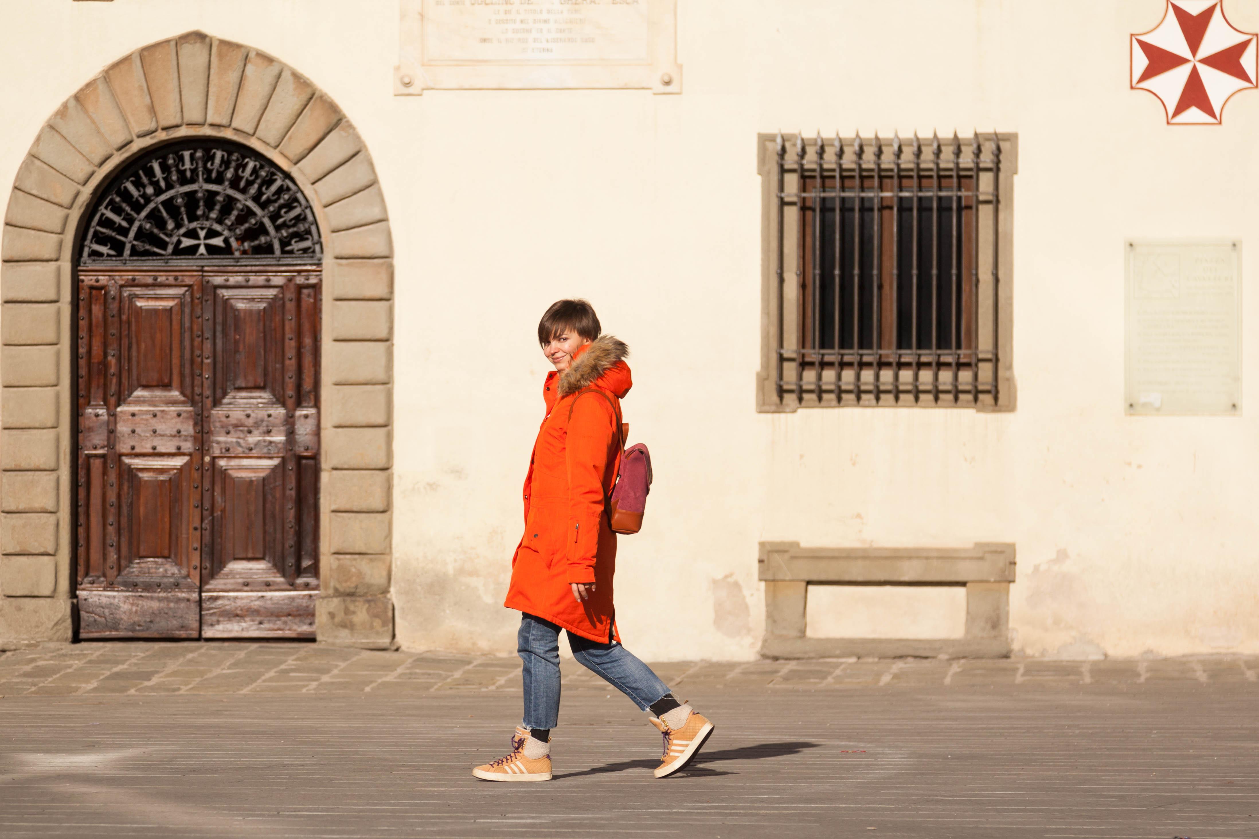 Гуляем с рюкзаком по старым улочкам . Все свое ношу с собой!