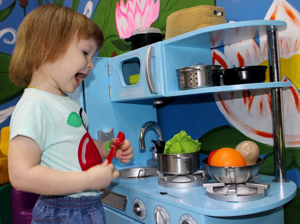 Увлекательный процесс приготовления еды. Веселая игра