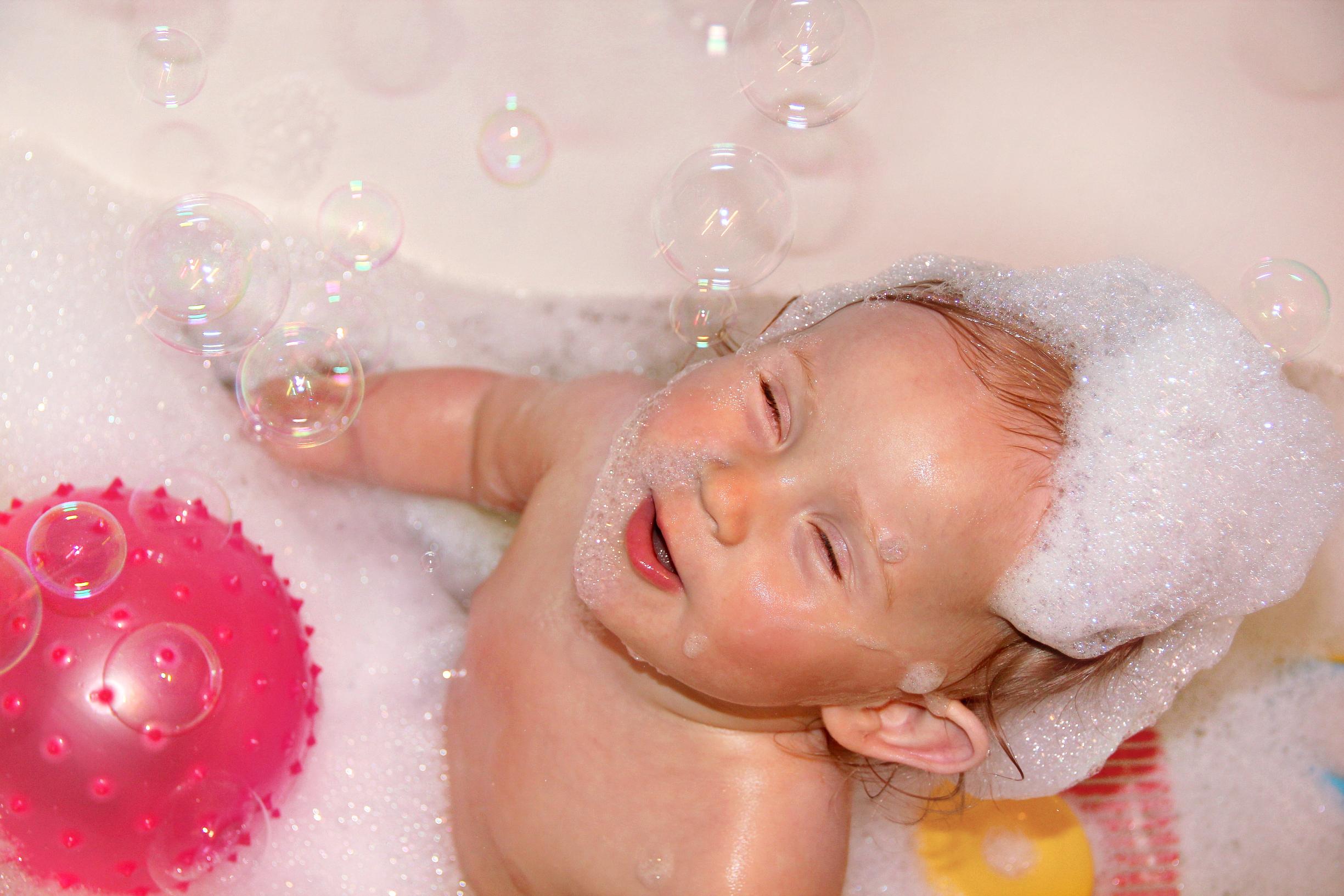 Игры в ванной самые веселые!. Веселая игра