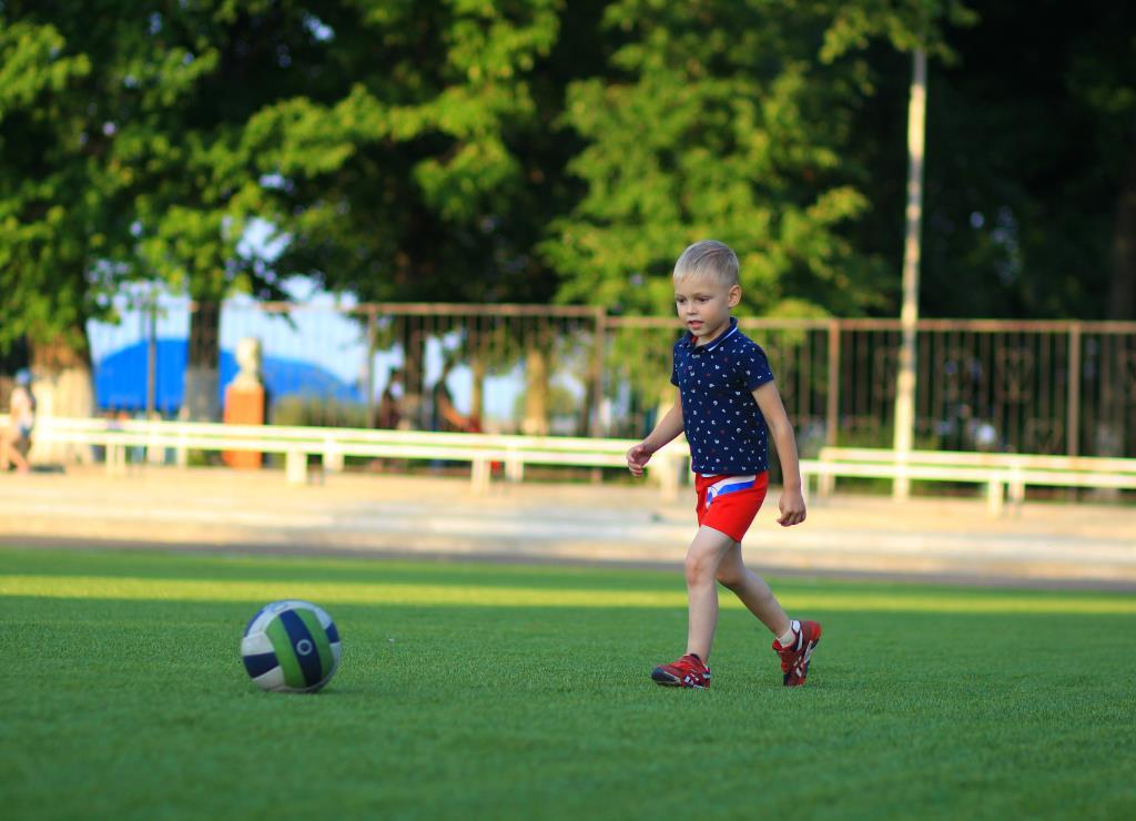 везде всегда с мячом!!!!!!!. Веселая игра