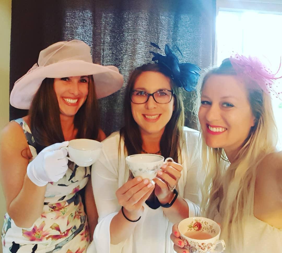 За чашкой чая с подругами! . За чашкой чая