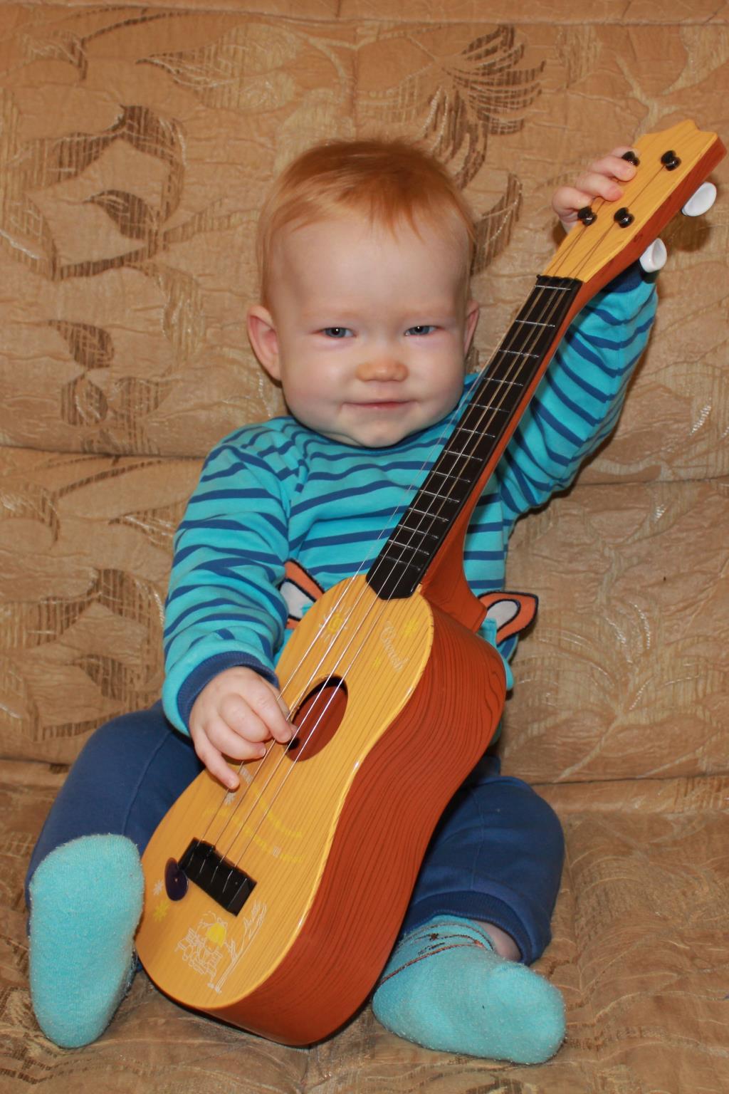 Мишутка-гитарист!. Мои первые книжки и игрушки