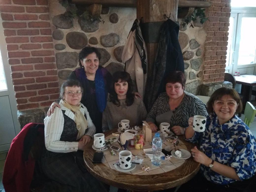 Пять подружек вечерком, да с горячим-то чайком!!!. За чашкой чая