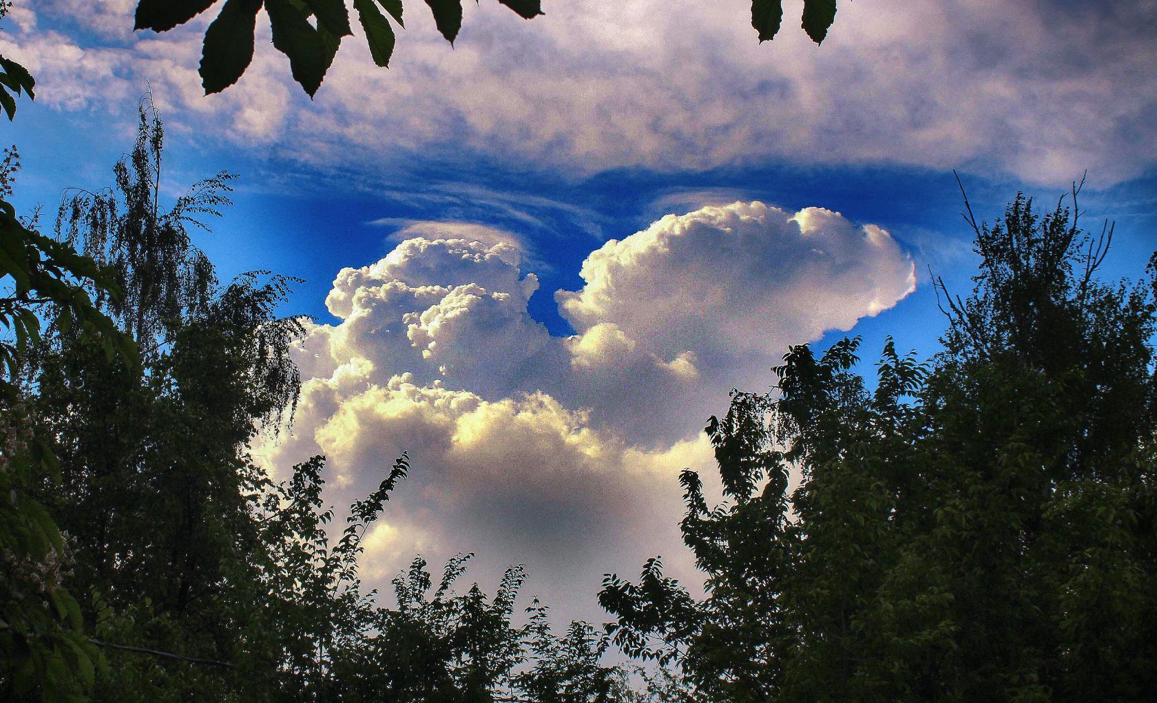 вечером в Борисоглебске. Блиц: небо в облаках