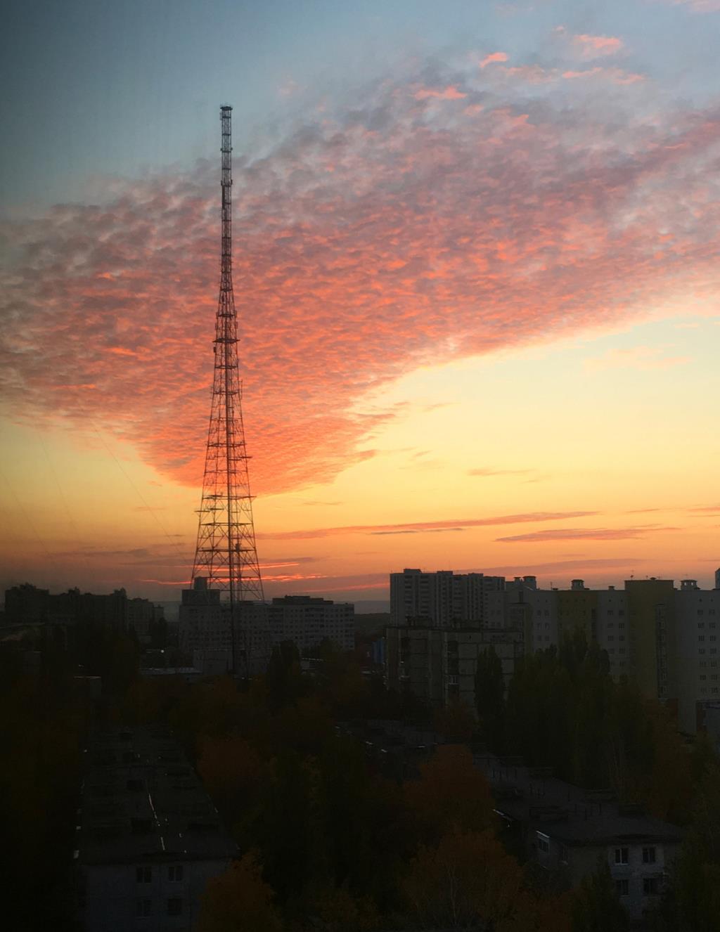 Вечерний небосвод. Блиц: небо в облаках