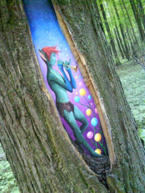 Этот эльф живет в Измайловском лесу. Блиц: стрит-арт