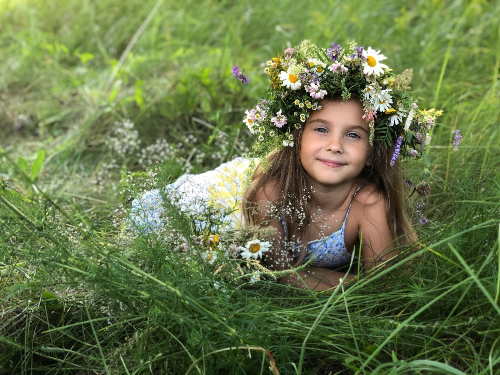 Полевые цветы и мой цветочек!. Наше лето