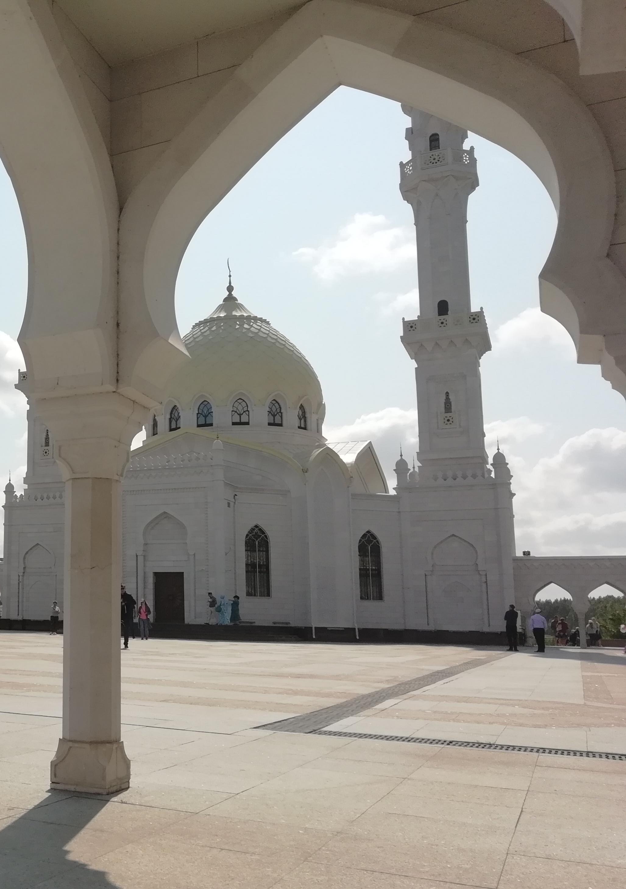 Белая мечеть. Болгар. . Блиц: храмы