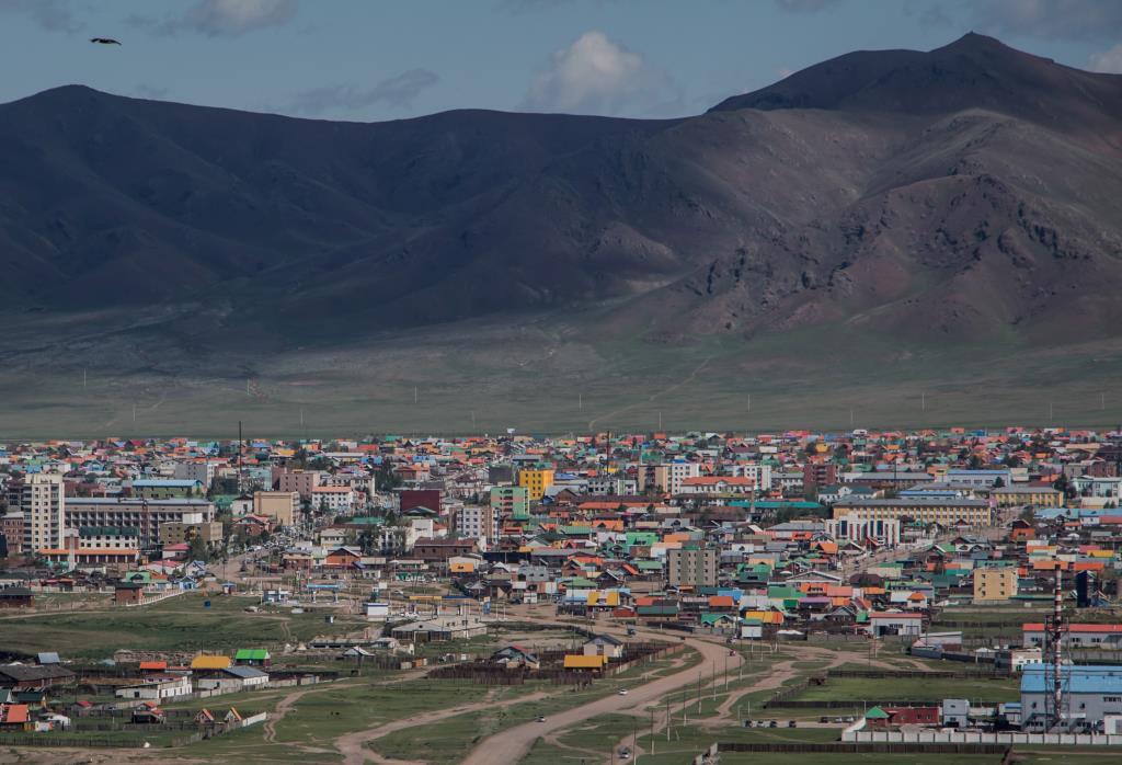 Разноцветные крыши. г.Мурэн Монголия. Блиц: разноцветный город