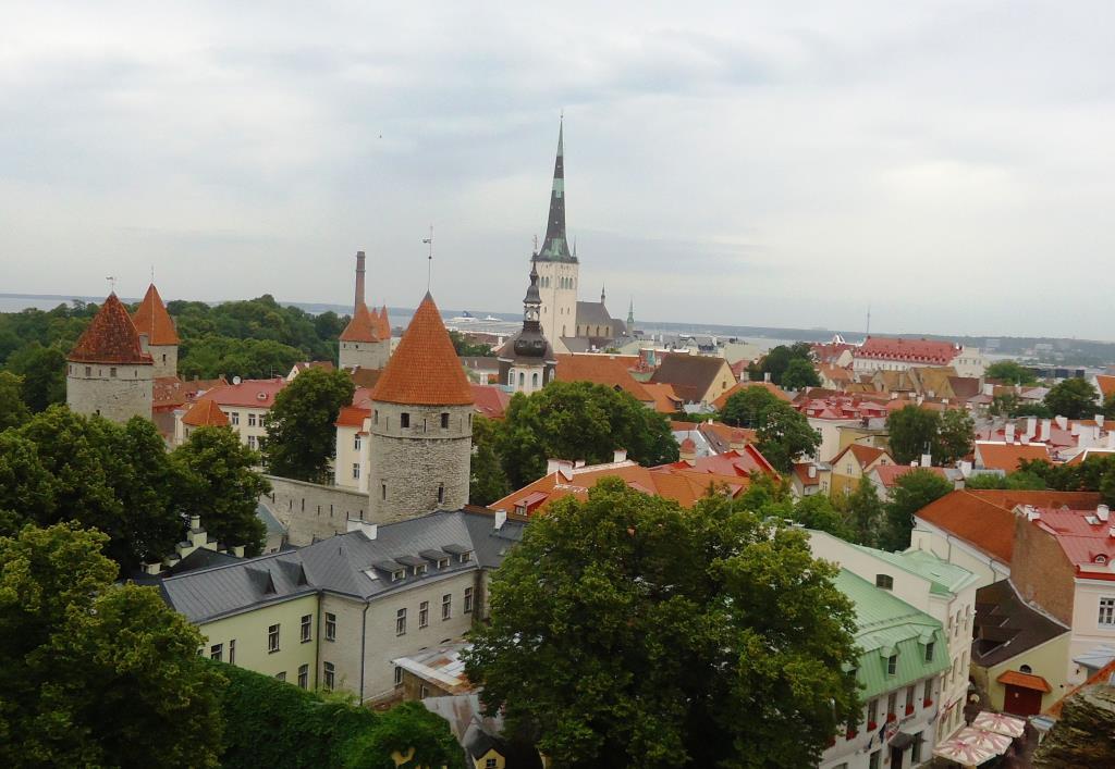 Старый, добрый, РАЗНОЦВЕТНЫЙ Таллин. Блиц: разноцветный город
