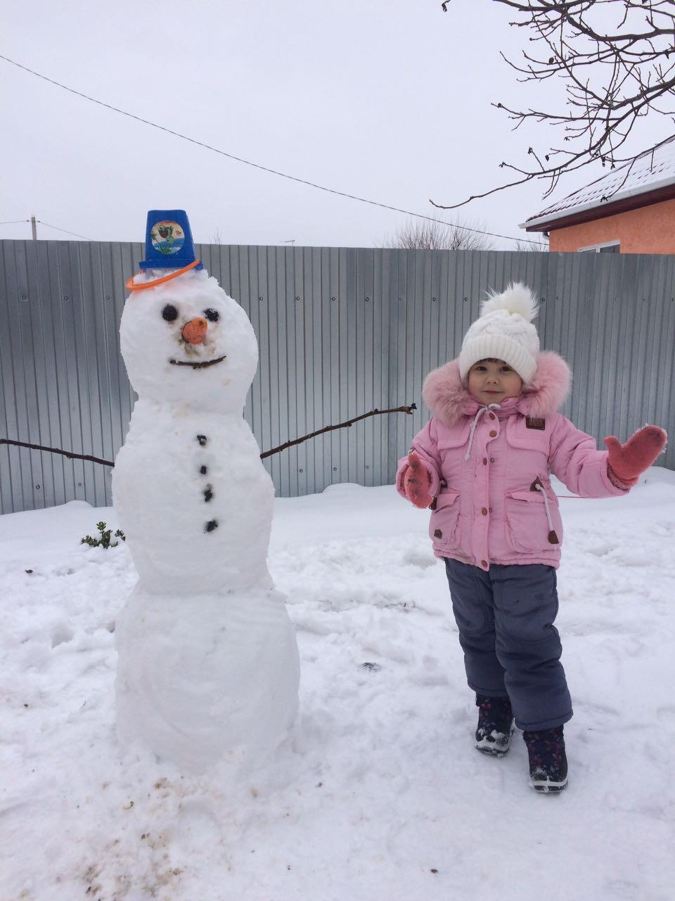 Вот мой снеговик) Как Вам?. Веселая зима