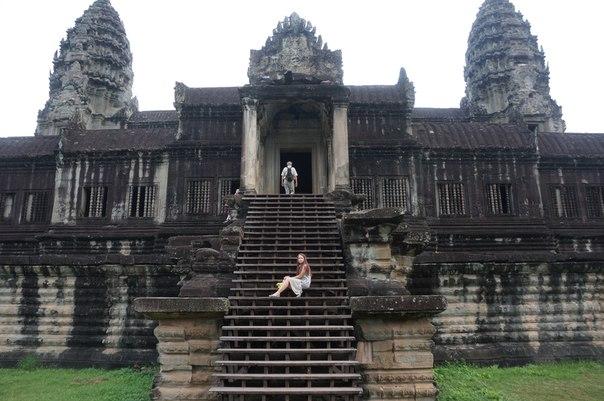 Лестница храма Анкор. Камбоджа. Блиц: лестницы