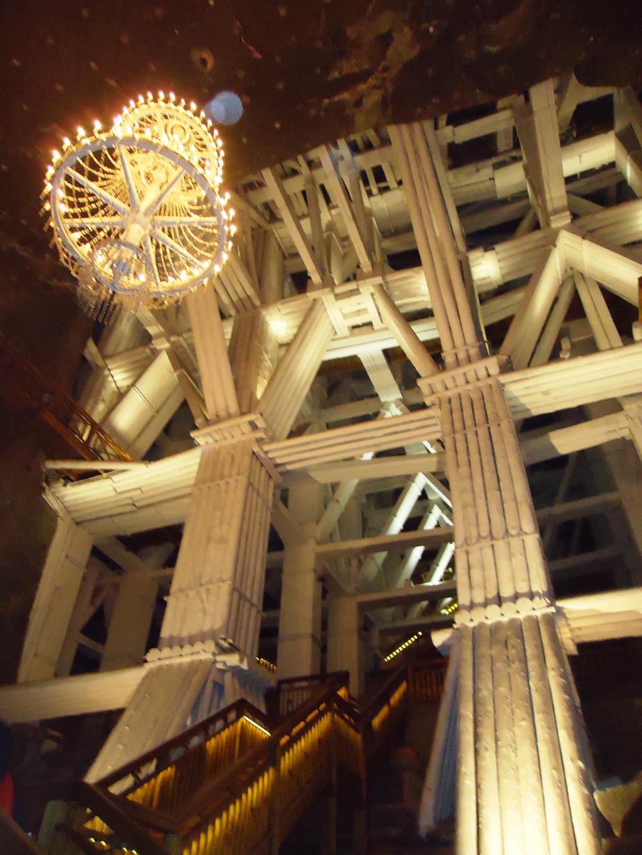 Лестница в шахтах в Величке (Польша). Блиц: лестницы