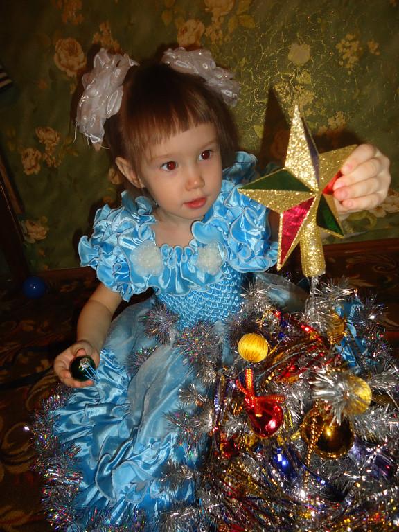 Маленткая ёлочка для маленькой принцессы. Новогодний праздник