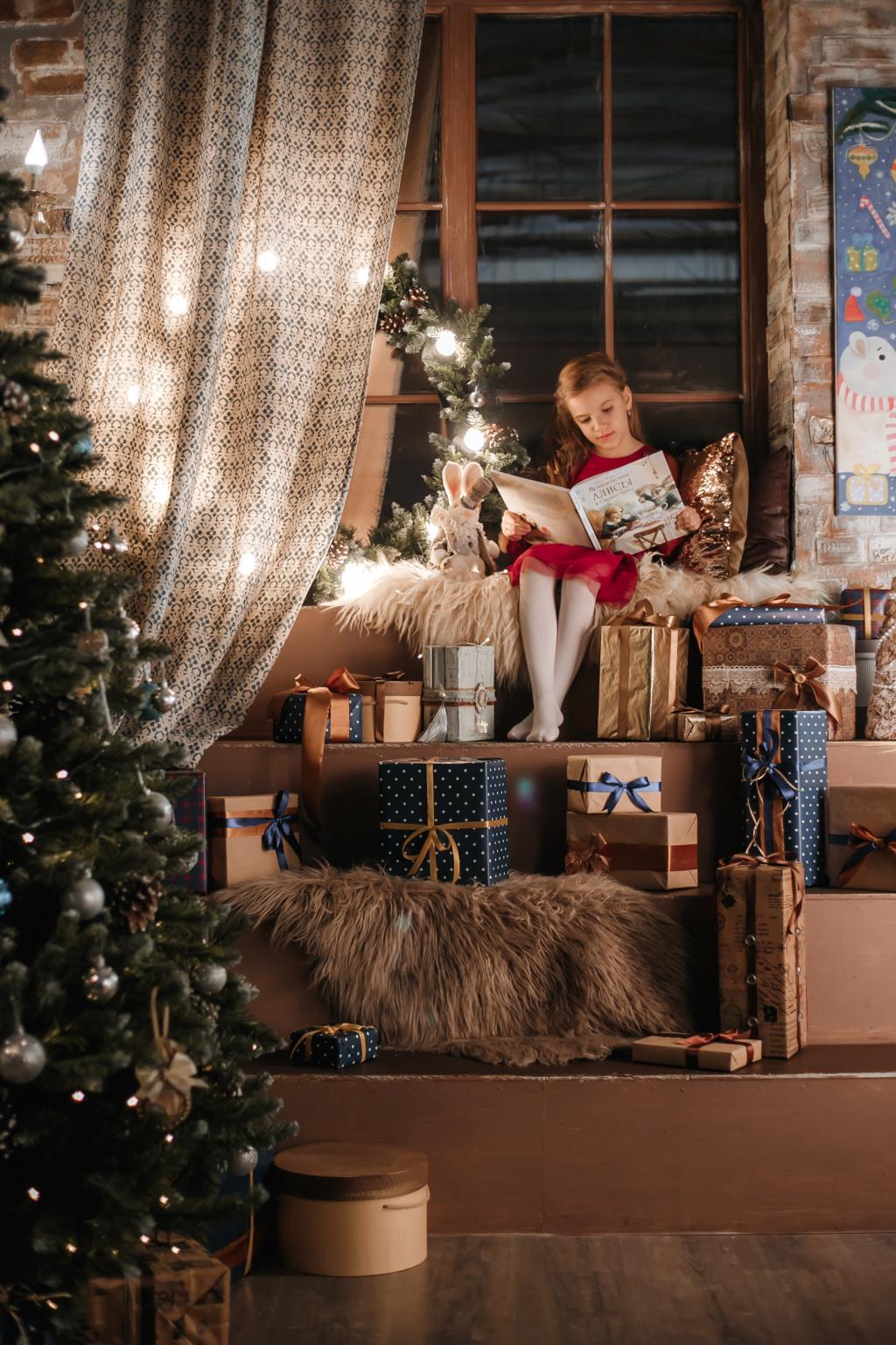 Алиса в стране чудес....новогодняя сказка . Новогодний праздник