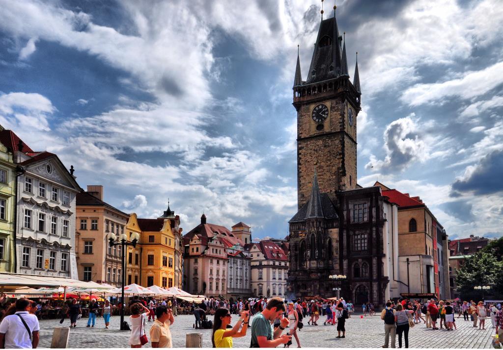 Весенняя Прага. Блиц: тучи
