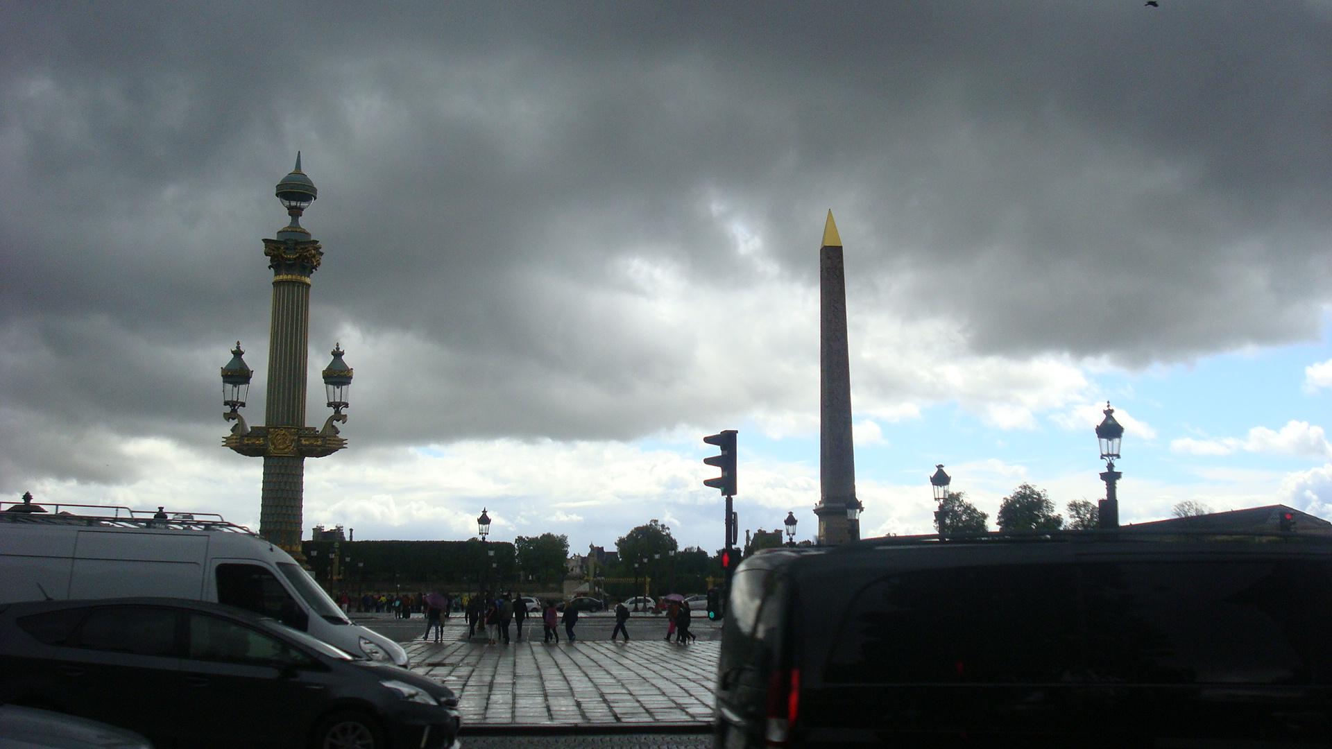 Тучи над Парижем. Блиц: тучи