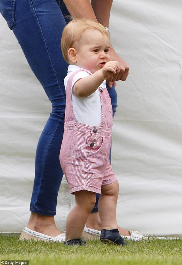 Принц Джордж одежда