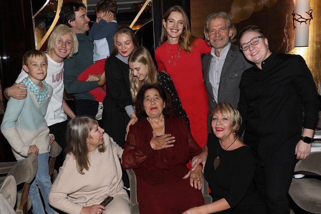 Наталья Водянова семья мама бабушка дети