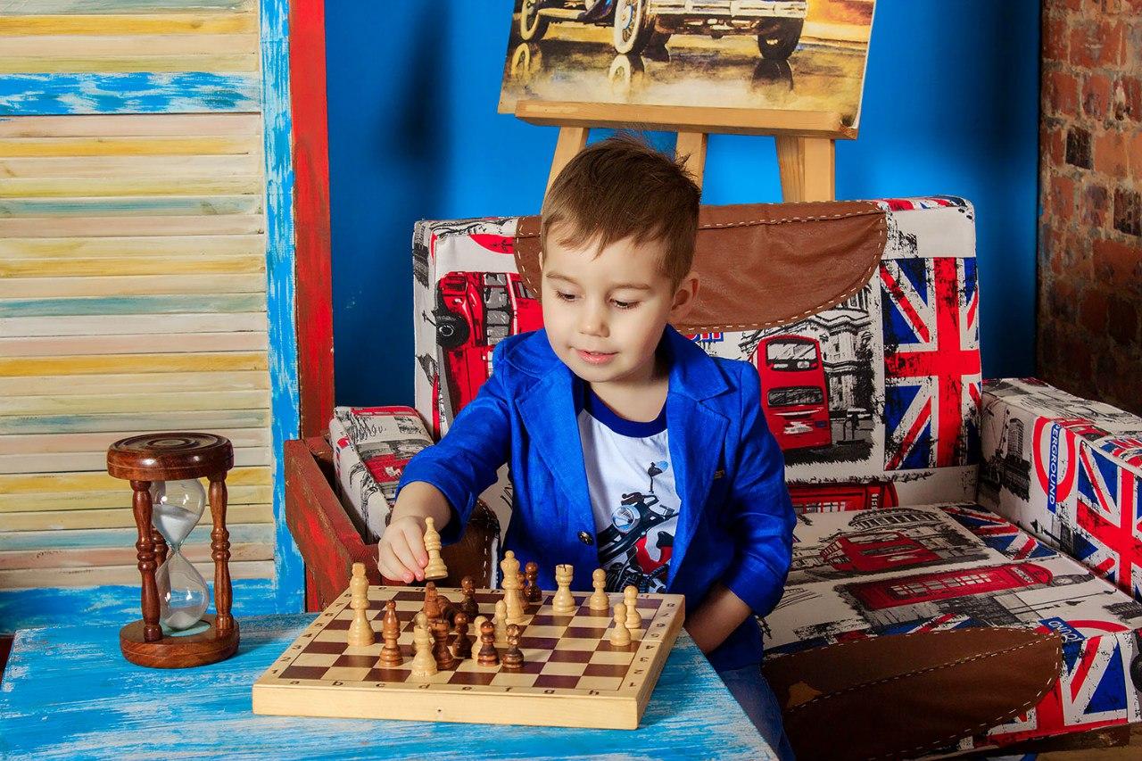 Шахматная партия. Время игр